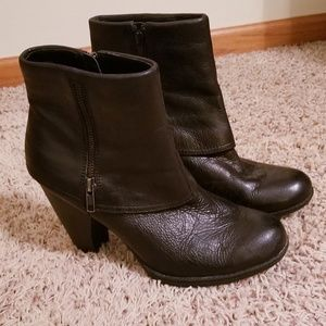 BOC Faux Cuffed Black Leather Booties Shoes 9